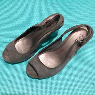 PAYLESS Gray Suede Sandals
