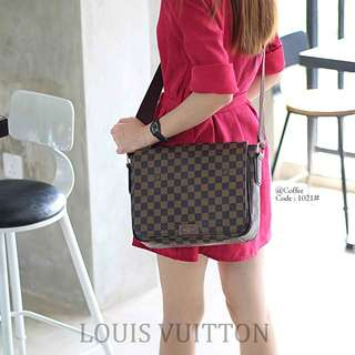 Men's & women's Shoulder Bag's LOUIS VUITTON   1021#p  Bag Size : 27x8x21cm Quality : Semprem Material : Leather Motif Damir Ready 2 colours : - Black - Coffee New Model Weight : 0,7 kg  H 240rb