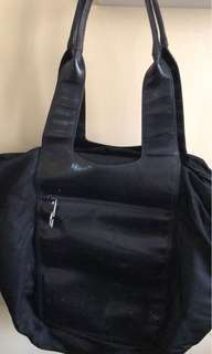 Gucci nylon x leather tote large and spacious
