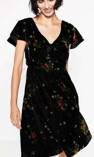 Zara Velvet Dress New without tag