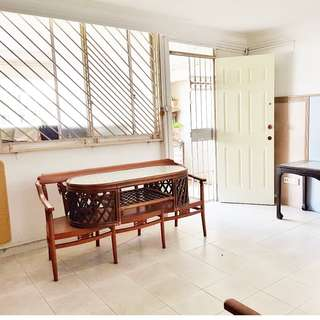 (1+1) 666 Yishun Ave 4 –  Mins to Khatib MRT , Fully Furnished, All Races Welcome! ** Price Includsive of Utilities Bills ***