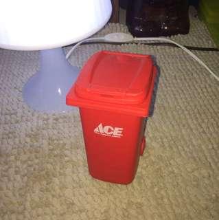 Miniatur Red Ace (
