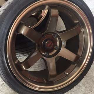 "18"" Te37 Stagged Rims"