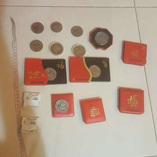 Vintage uncurculated singapore coins