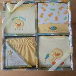 BNIP Shears 100% cotton Baby Gift Set
