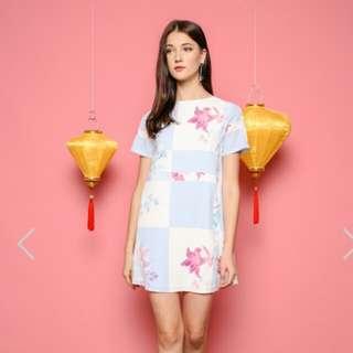 MELISSA PASTEL SHIFT DRESS IN BLU