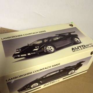 1/18 Countach 5000S. Black. AutoArt