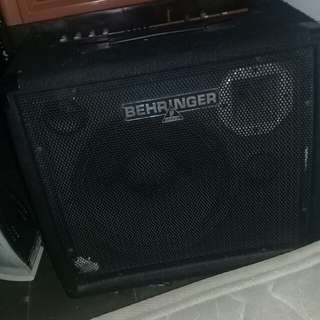 Amplifier keyboard Behringer