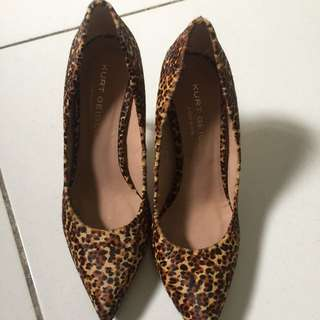 Leopard heels (motif macan tutul)