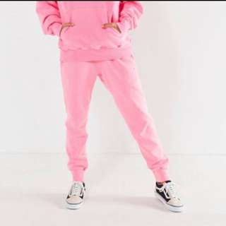 Champion & UO Joggers - Bright Pink