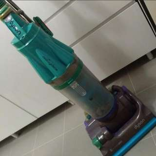 Dyson Rootcyclone 8 vacuum