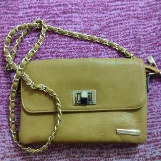 PRIMADONNA Sling Bag