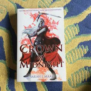 Crown Of Midnight (Throne Of Glass Series)