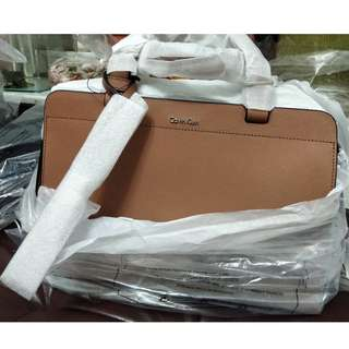 Calvin Klein Luxury Leather Bag  100% real and new 真皮 手揹袋 生日 結婚 情人節 送禮 得體
