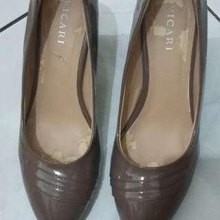 Pantofel Coklat Muda 38
