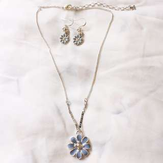 70% OFF RUSTANS PILGRIM BRAND NEW EARRINGS DANGLING NECKLACE SET Daisy Blue with Yellow Stones Silver