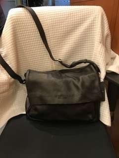 Giorgio Armani 羊仔皮鈄咩袋 crossbody bag