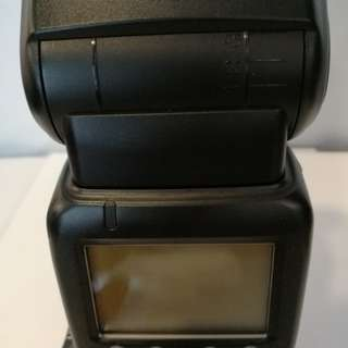 Canon 600 EX Flash with case