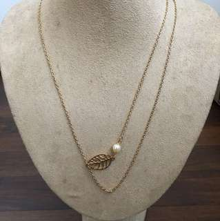 Layered leaf pearl chain necklace