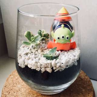 Cute mini terrarium with Alien Tsum Tsum from toy story!