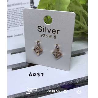🇰🇷正韓 時尚流行 簡約鑽石形狀 鑲鑽 氣質 個性百搭 925耳針耳環