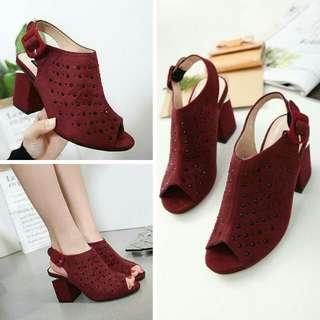 M*NN*  V*N**  Shoes 12312-7  (17)*