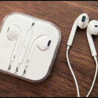 Apple earpods with serial code and cable marks