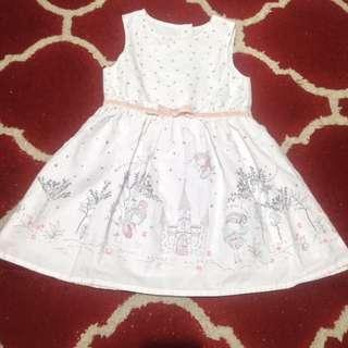 Gaun cantik anak