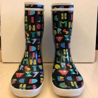 [清櫃]AIGLE 水靴 ,Size 38 ~9⃣️成新~兩年前購入法國專門店,小女只著過一次,近期雨季再攞出嚟著嘅時候已經唔啱著😫,超新淨!真係手快有手慢冇🙇🏻♀️雨季又就來☔️,早買早享受哦!