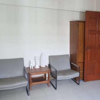 162 batok for rent , 2 bedder