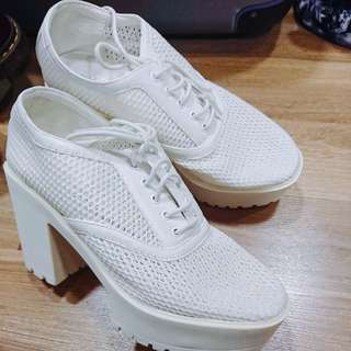 High heels white I.T boot shoes