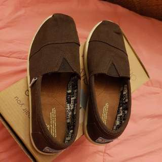 TOMS shoes original (negotiable)