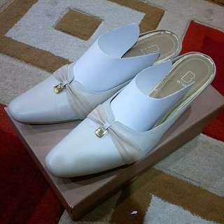 Original leather Bonia cream formal dinner shoes #UNDER90 #OCT10