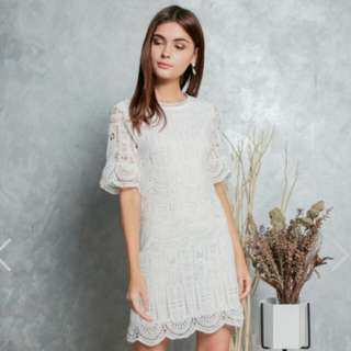 BNWT The Stage walk TSW S Size Megan Crochet Shift Dress in White Incl Postage