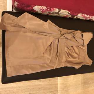 Gold dress solemio
