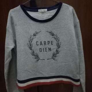 Sweater crop- CARPE DIEM