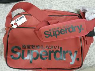 Superdry斜孭袋