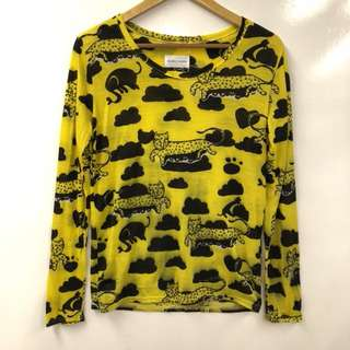 Nearly New TC leopard yellow sweater top size 2