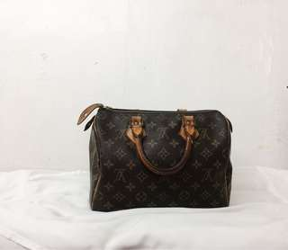 PRE-LOVED LOUIS VUITTON SPEEDY BAG