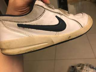 Original Nike 2nd hand Kids shoes size 12.5 (190)