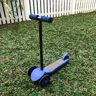Ozbozz Scooter