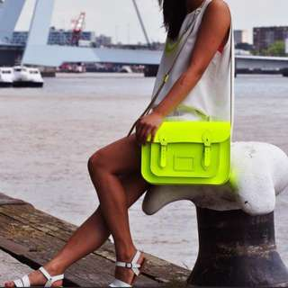 Cambridge Satchel fluo green limited ed