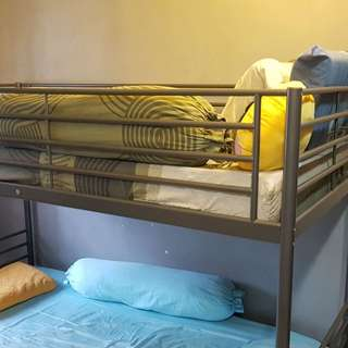Double deck metal bedframe