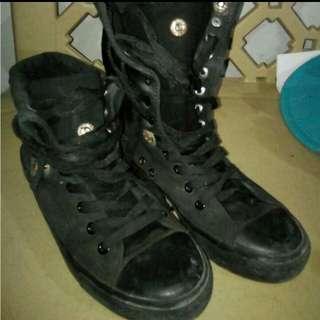 Preloved black shoes ..