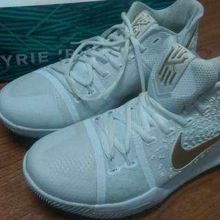 Nike  kyrie 3 ep  25.5 (7.5)