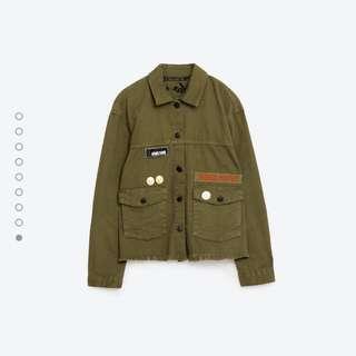 🚚 ZARA  軍裝風格軍綠外套