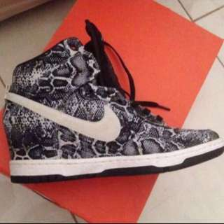 Nike sky high shoes size 9