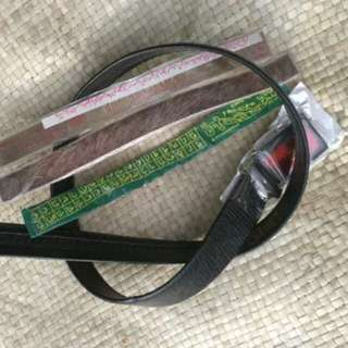 ikat pinggang kantong ada zip dan termasuk kain wafak, kulit wafak, plat wafak.