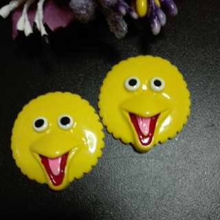 Big bird brooch