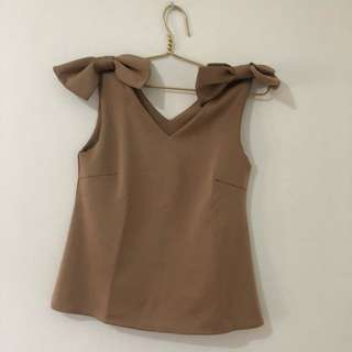 Chocolate Bow Top